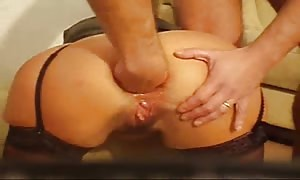 woman ass sex fist-fucked