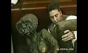 Alien visit some weird family on Earth by erofail com