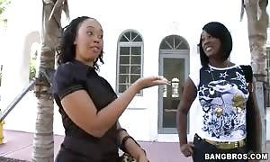 Barbie Banx and Joei Deluxxx uncover on camera