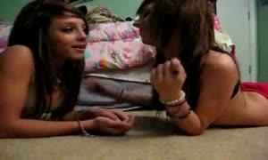 Emo lesbians kissing