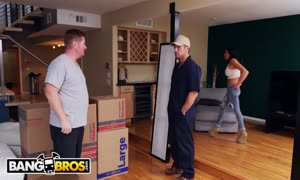 BANGBROS - Audrey Bitoni Secretly drilling The Mover behind Boyfriend's Back
