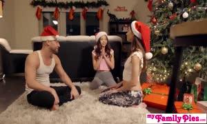 Stepbro's Christmas threesome And Sister cream-pie - My Family Pies S5:E6