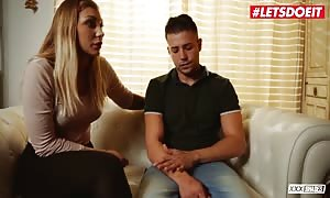 XXX Shades - Serbian babe Haley Hill Dries Out Her guy At couple Therapy - LETSDOEIT