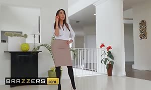 Brazzers - dirty Masseur pounds thicc PAWG Lela megastar