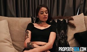 PropertySex Bad roomie apologizes with mouth-fuck and sex