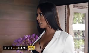 BRAZZERS - large melon Rachel Starr and her hubby discipline Desiree Dulce