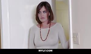 MYLF - Eyes On The Load